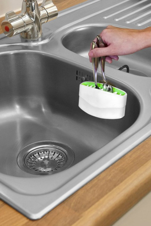 cutlery cleaner sink mounted scrubber for knives silverware